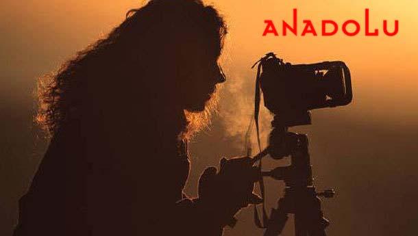 bayan fotoğraf çekiyor Antalyada