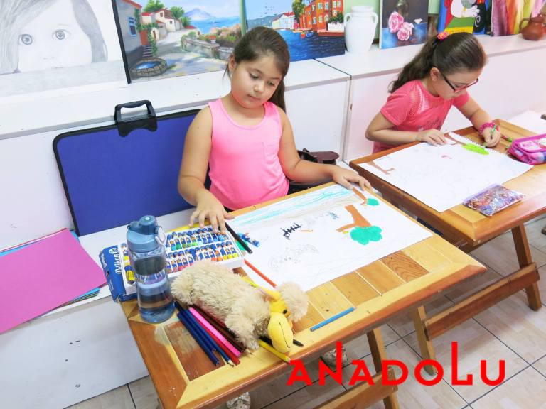 Antalyada Çocuklara Yönelik Pastel Boyama Kursu
