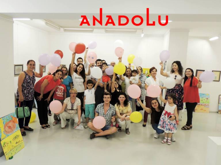 Antalyada Çocuklara Yönelik Resim Sergisi