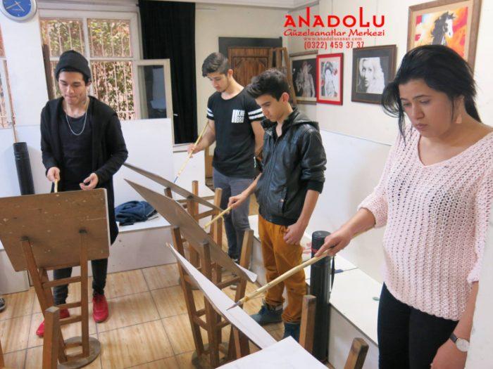 Antalyada Anadolu Güzel Sanatlarda Modelden Desen Çizimleri