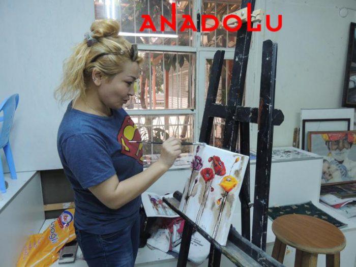 Hobi Grubu Dersi Yağlıboya Çiçekler Antalyada