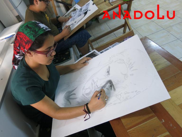 Karakalem Potre Çalışan Hobi Grubu Antalyada