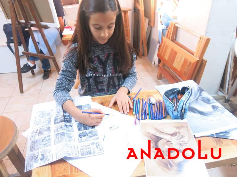 Çocuk Grupları Karakalem Potre Çizimleri Antalyada