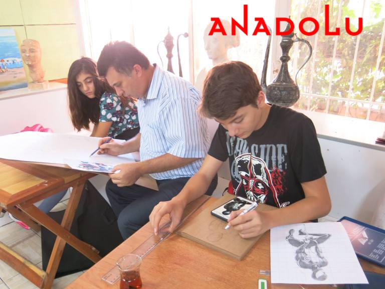 Hobi Grupları Karakalem Çalışmaları Antalyada