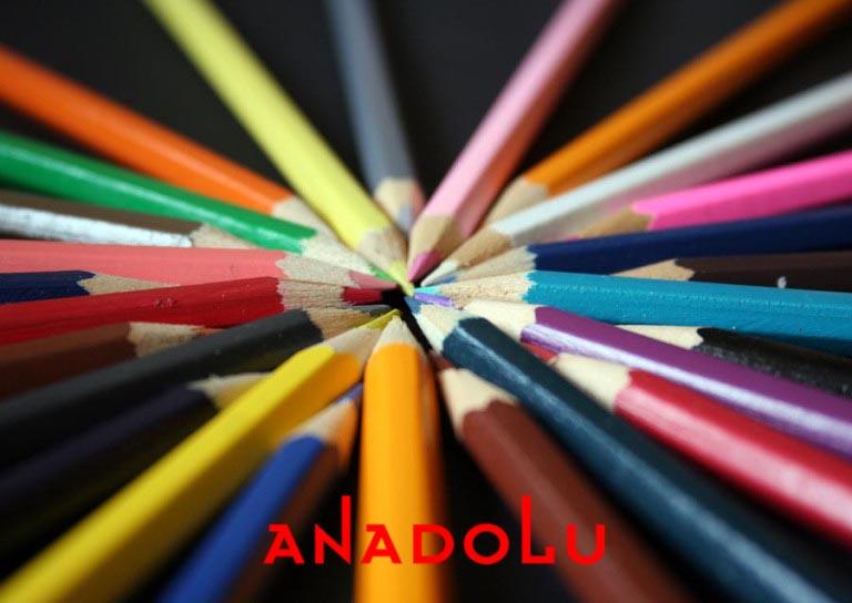 Antalyada renkli resim kalemler