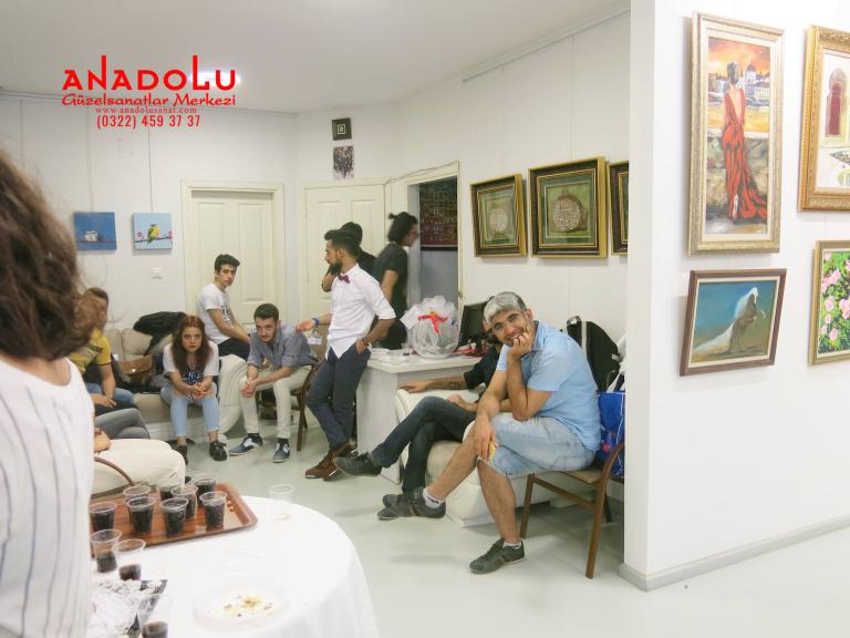 Antalyada Sergi Salonundakiler